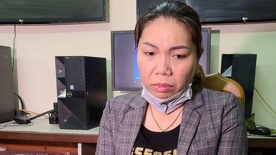'Nữ quái' đội lốt' nhân viên massage trộm thẻ visa của khách, quẹt để mua iPhone
