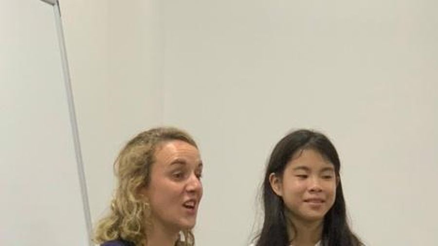 Cô bé 13 tuổi chia sẻ kinh nghiệm chinh phục Speaking IELTS 8.5 bằng đam mê