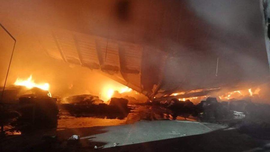 Cháy lớn tại nhà máy sản xuất bao bì carton trong khu công nghiệp Phú Bài