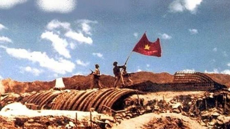 Văn nghệ sĩ Việt Nam trong chiến dịch lịch sử Điện Biên Phủ