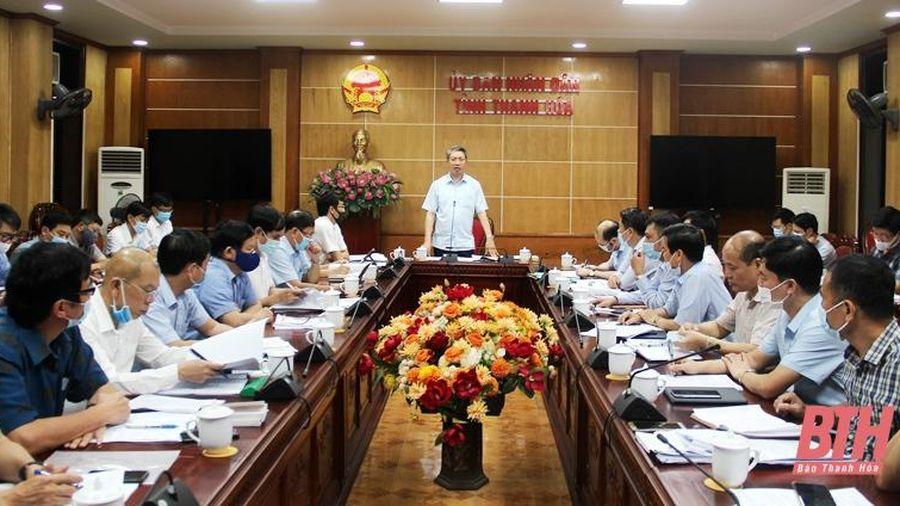 Phó Chủ tịch UBND tỉnh Lê Đức Giang nghe dự thảo chương trình, đề án về phát triển nông nghiệp và xây dựng nông thôn mới