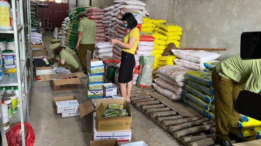 Thu giữ gần 4.000 sản phẩm thuốc bảo vệ thực vật hết hạn sử dụng