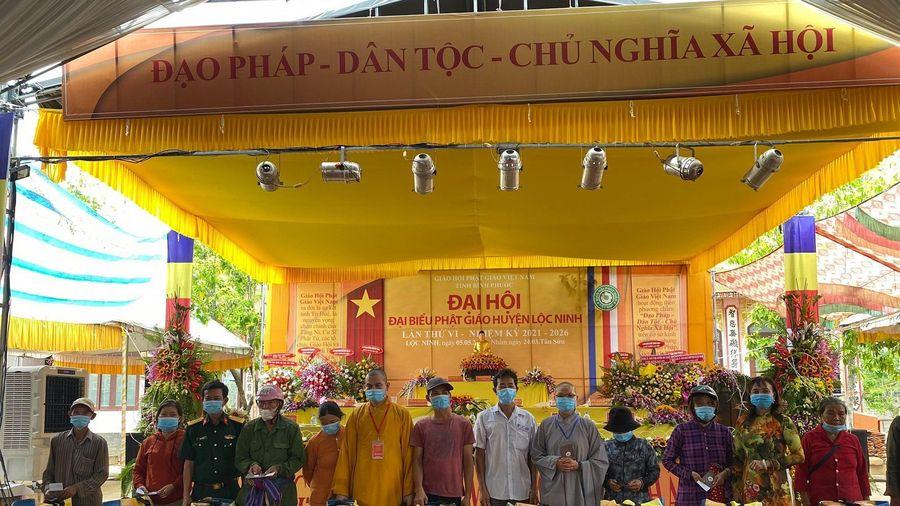 Thiền viện Trúc Lâm Bình Phước tặng 500 phần quà đến người nghèo