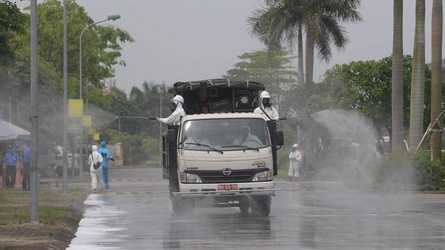 Phun khử trùng, tiêu độc tại Bệnh viện Bệnh nhiệt đới trung ương cơ sở 2