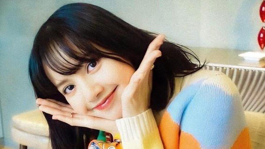 Đi mua sắm với Jisoo, Lisa chỉ nói một câu thôi cũng được netizen tấm tắc khen ngợi
