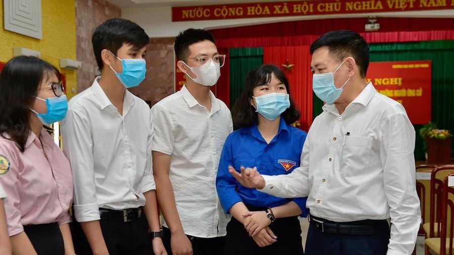 Bộ trưởng Tài chính trao đổi nhiều băn khoăn về tài chính cho giáo dục