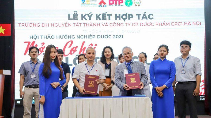 Rộng mở cơ hội nghề nghiệp cho sinh viên ngành Dược học trường ĐH Nguyễn Tất Thành