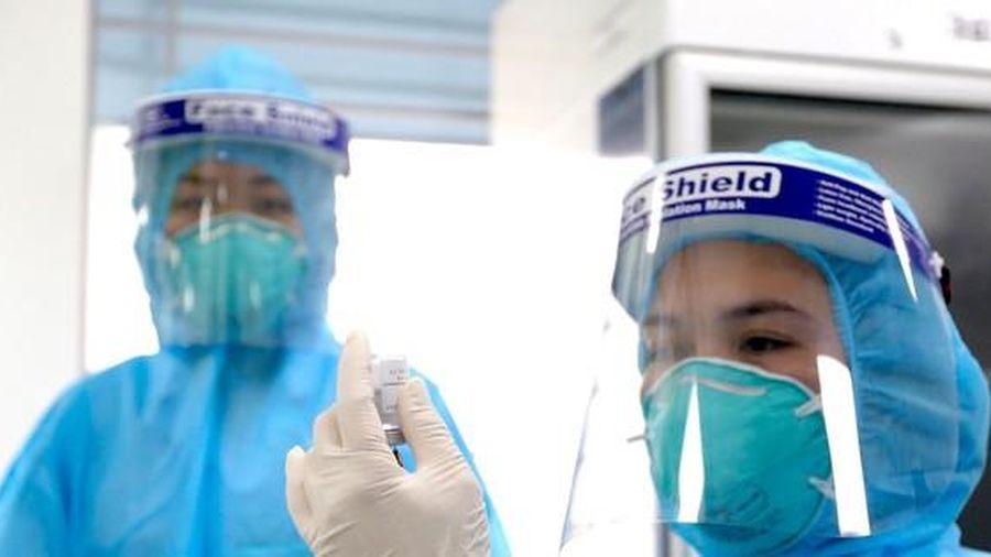 Việt Nam ghi nhận ca tử vong do sốc phản vệ sau tiêm vắc xin COVID-19 của AstraZeneca.