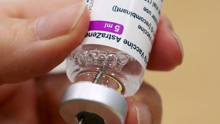 Tiêm vaccine ngừa COVID-19 cho cầu thủ trước thềm Copa America