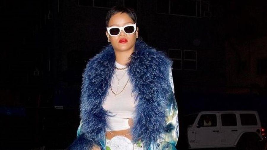 Rihanna cắt tóc pixie cá tính đi ăn tối cùng bạn bè