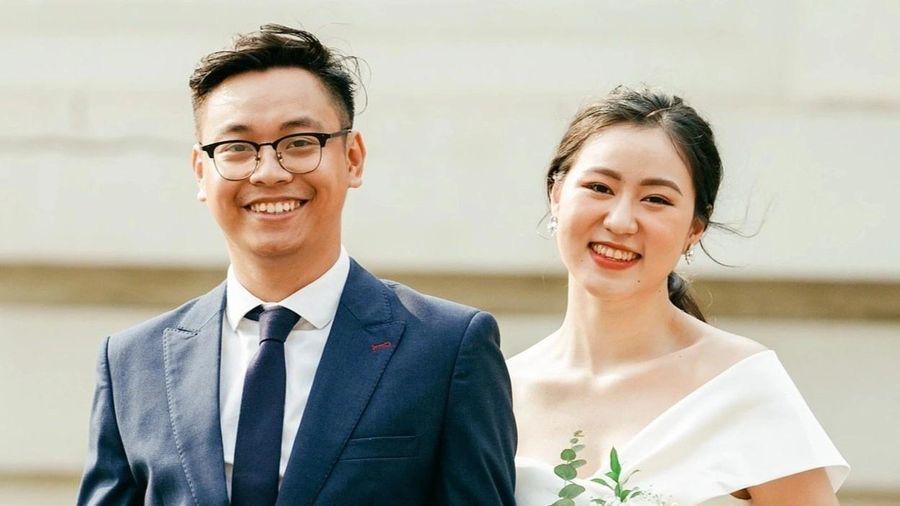 'Yêu 10 năm còn chờ được nên đám cưới sau dịch cũng chẳng sao'