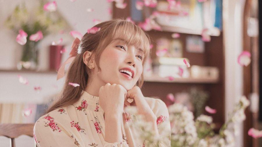 MV 'Love Rosie': Thiều Bảo Trâm quá trẻ con?