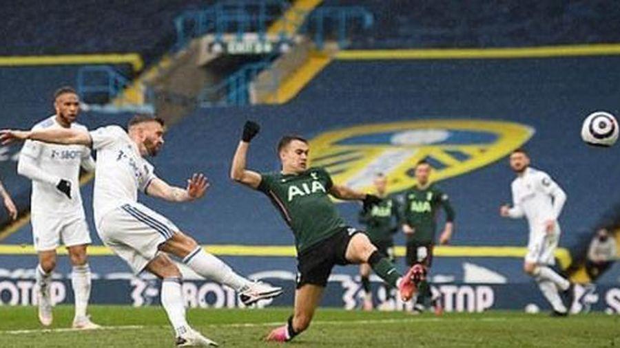 Thua sấp mặt Leeds United, Tottenham nguy cơ mất tốp 6