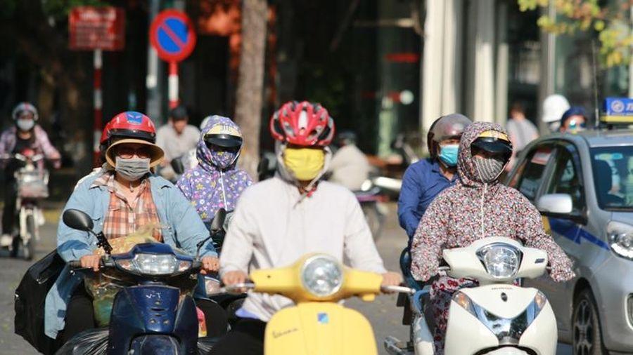 Nhiều nơi trên cả nước nắng nóng, chỉ số UV gây hại rất cao
