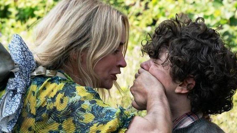 'Vùng đất câm lặng 2' tung trailer gay cấn đến nín thở, sợ hãi đến 'vỡ tim'