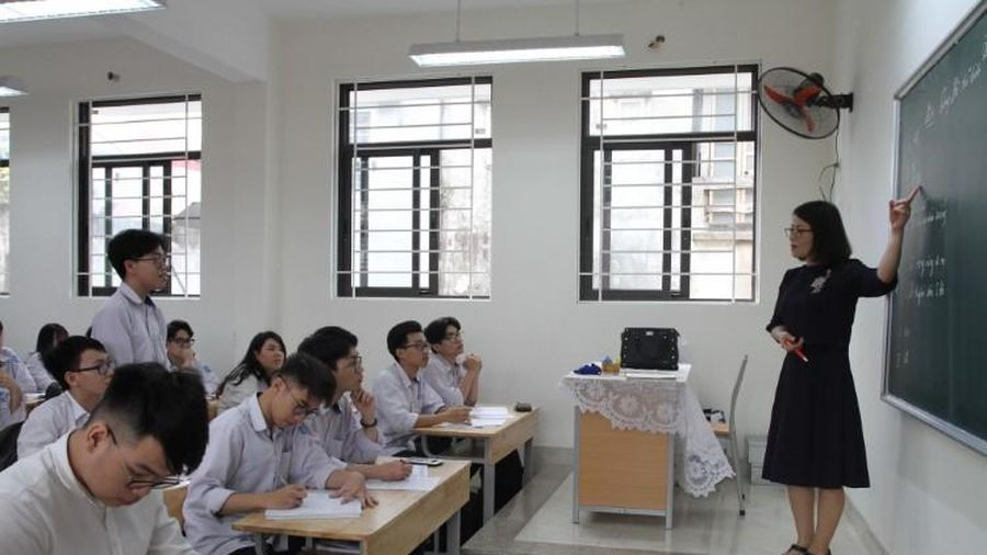Trường học chủ động dạy học, ôn thi trực tuyến
