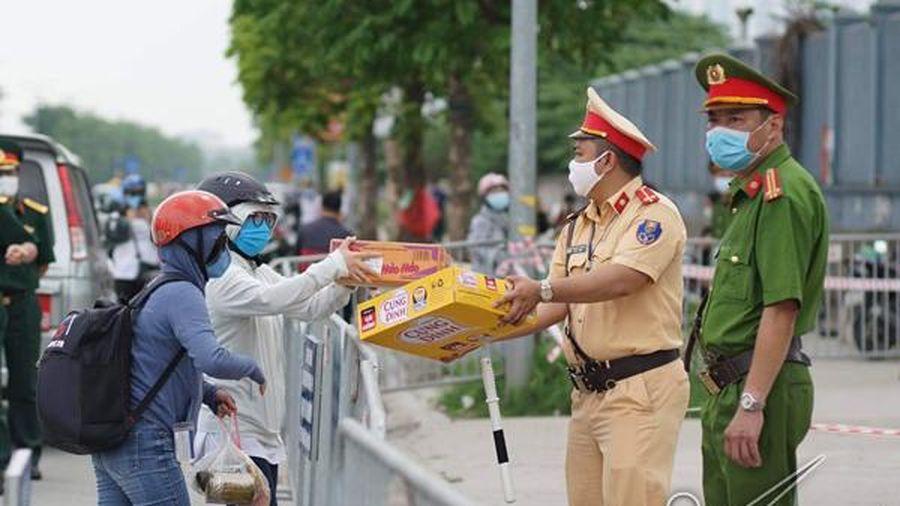 Bệnh viện K kêu gọi hỗ trợ nhu yếu phẩm, đồ bảo hộ