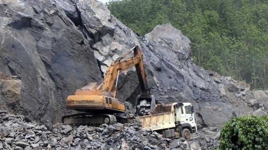 Thừa Thiên-Huế: Sớm đóng cửa mỏ khai thác đá ở huyện Nam Đông