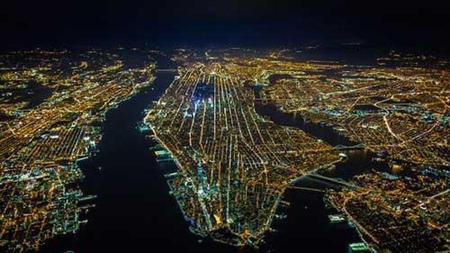 Đêm thành phố New York tráng lệ từ độ cao hơn 2.000m