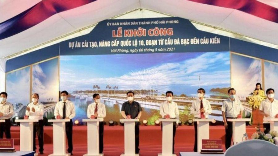 Chủ tịch Quốc hội nhấn nút khởi công dự án cải tạo, nâng cấp quốc lộ 10