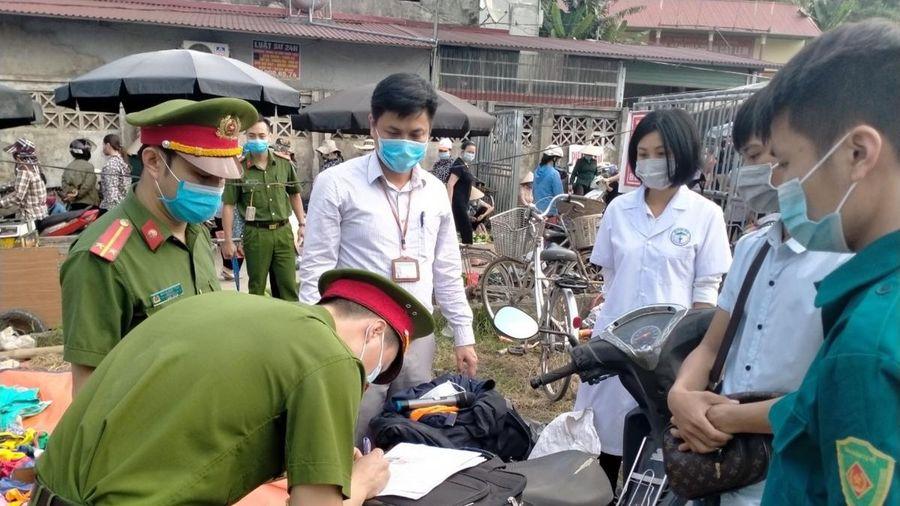 Yên Bái xử phạt hơn 100 trường hợp vi phạm trong phòng chống dịch bệnh Covid-19