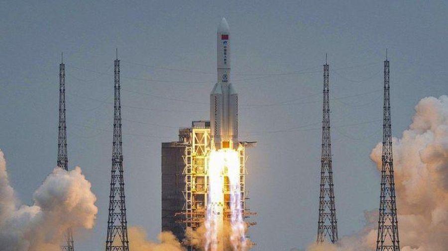 Tên lửa Trung Quốc mất kiểm soát sắp trở lại khí quyển Trái Đất