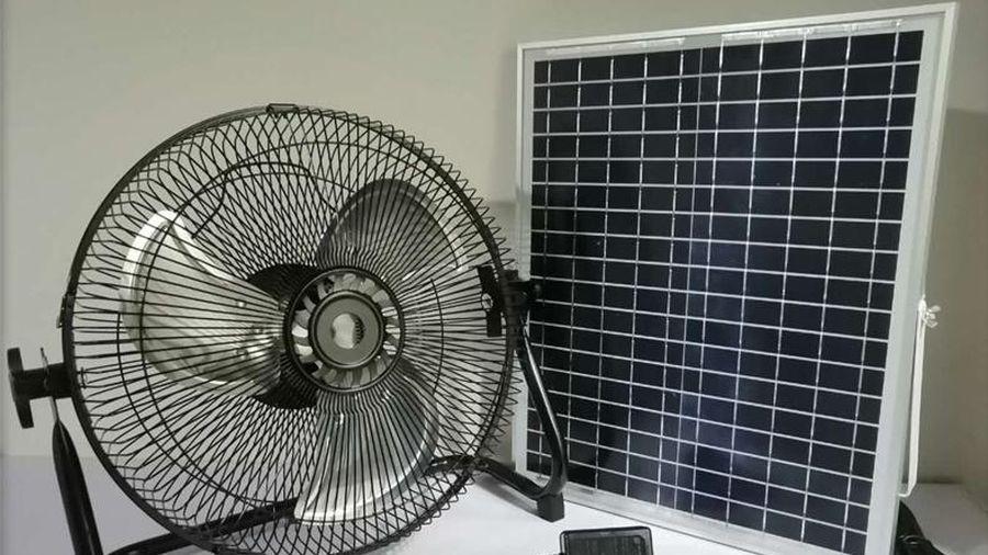 Quạt năng lượng mặt trời bán chạy mùa nóng