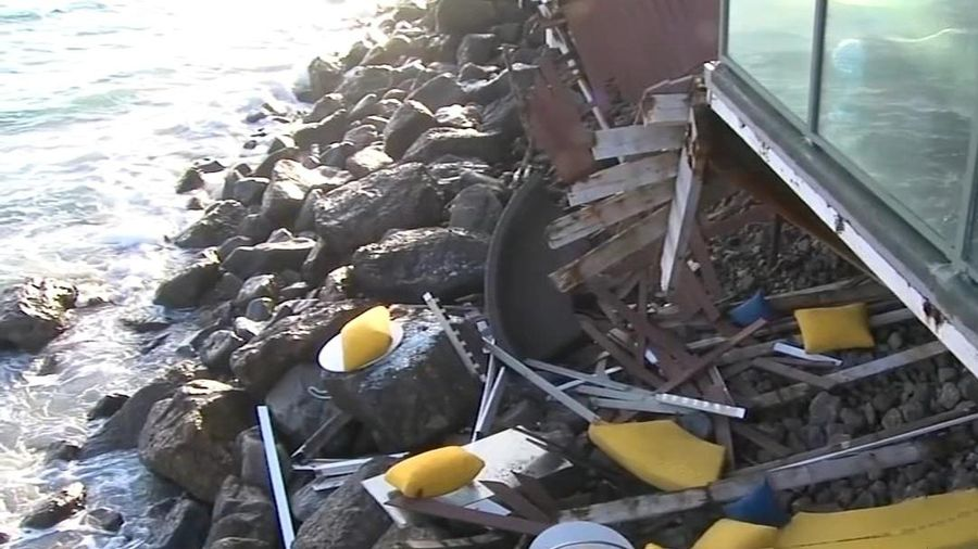 Sập ban công, 9 người dự tiệc rơi xuống bãi đá ở Mỹ