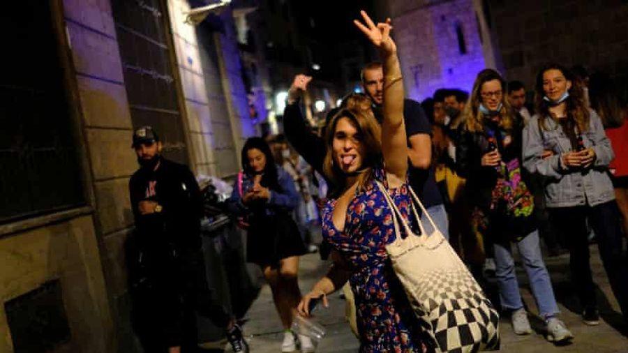 Tây Ban Nha chấm dứt tình trạng khẩn cấp