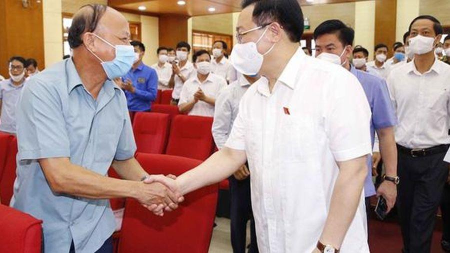 Chủ tịch Quốc hội Vương Đình Huệ vận động bầu cử tại Hải Phòng