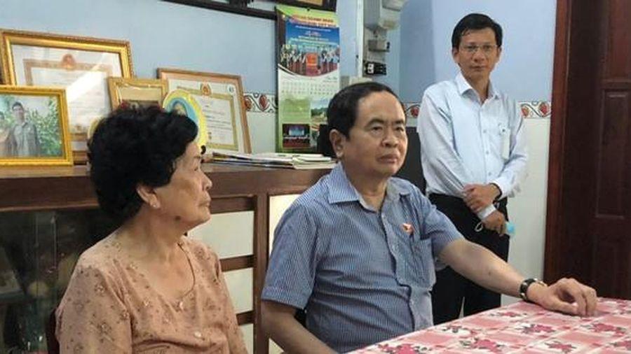Phó Chủ tịch Thường trực Quốc hội thăm gia đình chính sách tại Hậu Giang