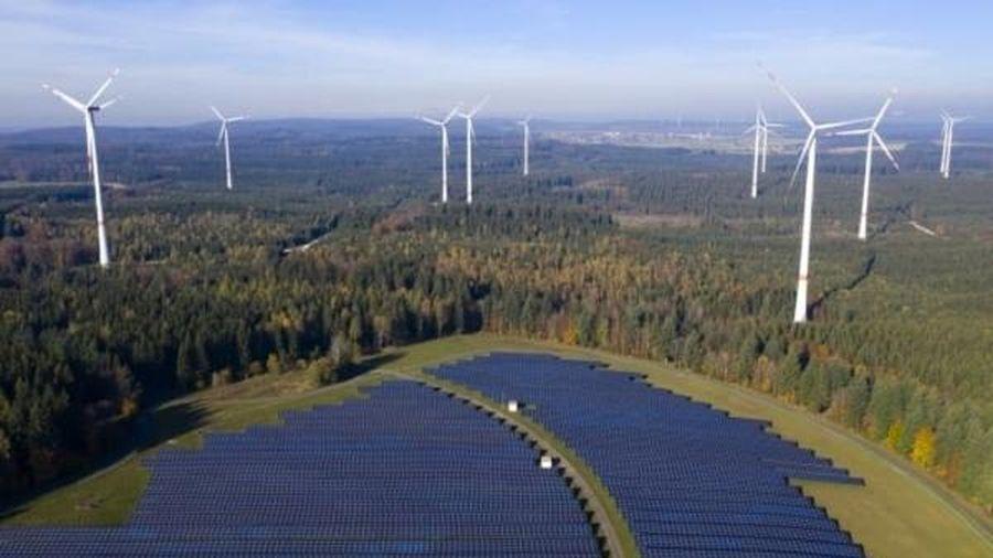Chuyển đổi năng lượng sạch: Thách thức và khó khăn
