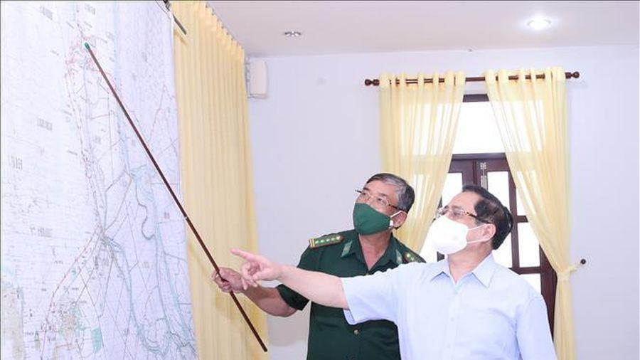 Thủ tướng Phạm Minh Chính kiểm tra công tác phòng, chống dịch COVID-19 tại An Giang