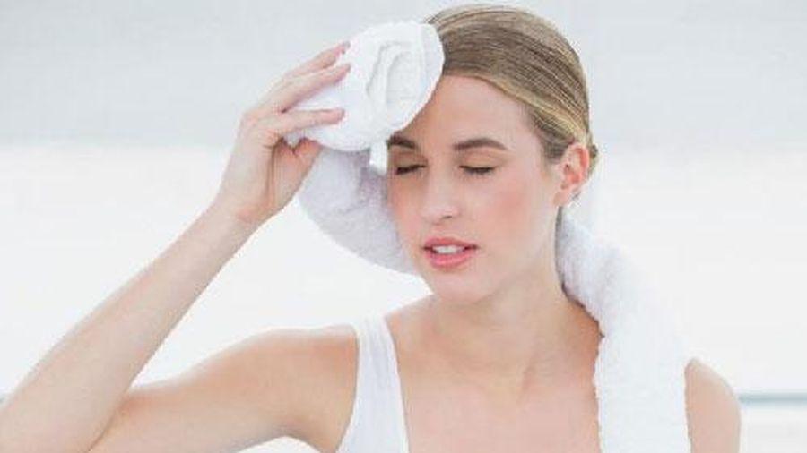Bí quyết ngăn tiết mồ hôi quá nhiều trong ngày hè