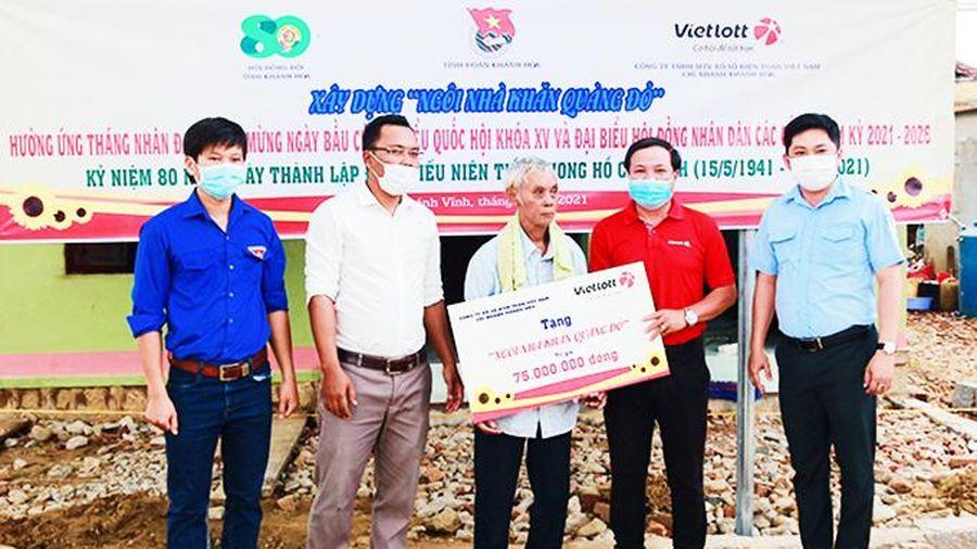 Hỗ trợ 75 triệu đồng xây Ngôi nhà khăn quàng đỏ ở Khánh Vĩnh