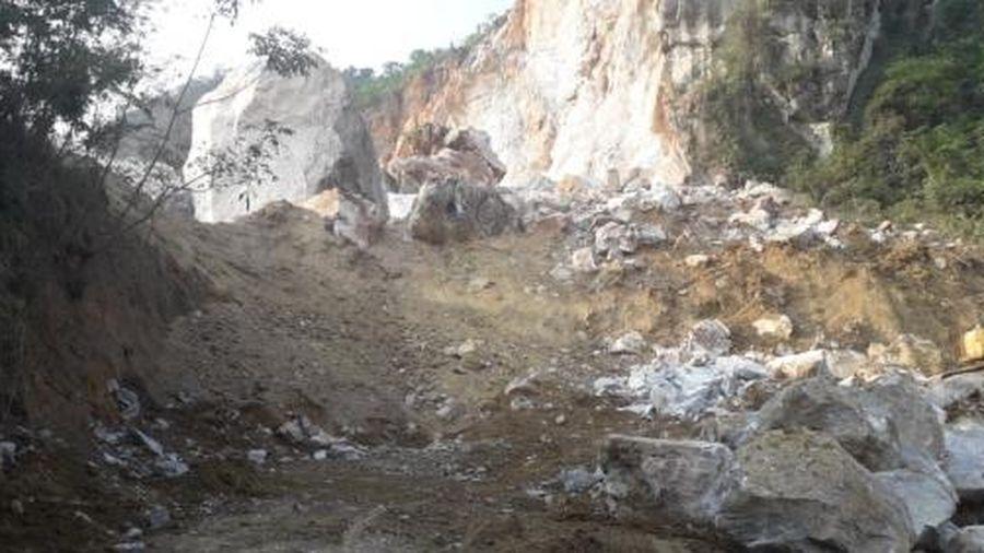 Thái Nguyên: Sạt lở mỏ đá Lân Đăm 2, một tuyến đường bị vùi lấp