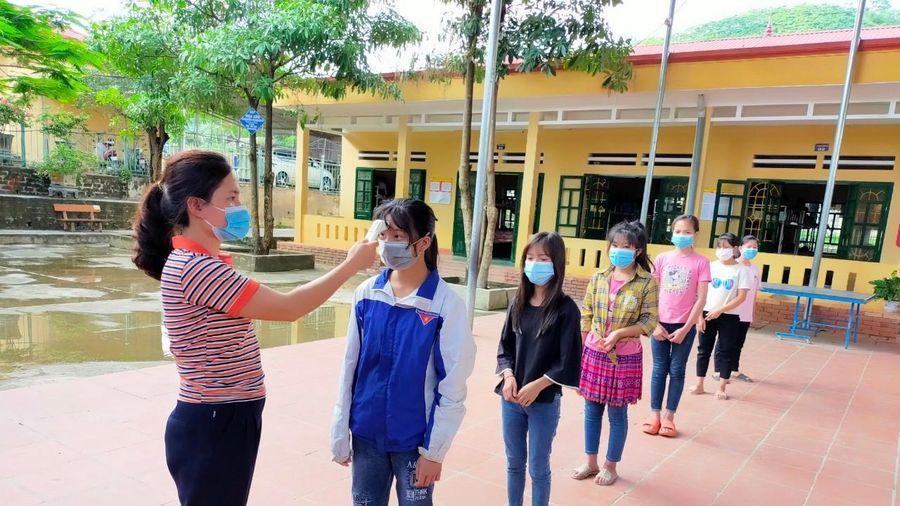 Yên Bái: Trường học chống dịch, nỗ lực hoàn thành 'nhiệm vụ kép'