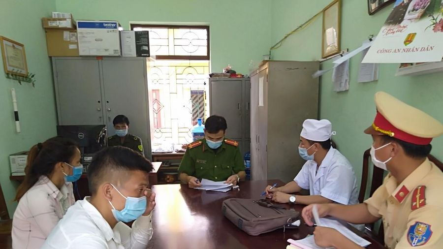 Bắc Giang: Nam thanh niên đèo bạn gái 'thông chốt' kiểm soát dịch bệnh