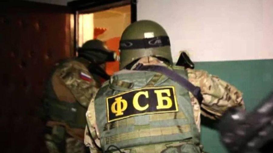 Một đối tượng thừa nhận dọa đánh bom trường học ở Crimea