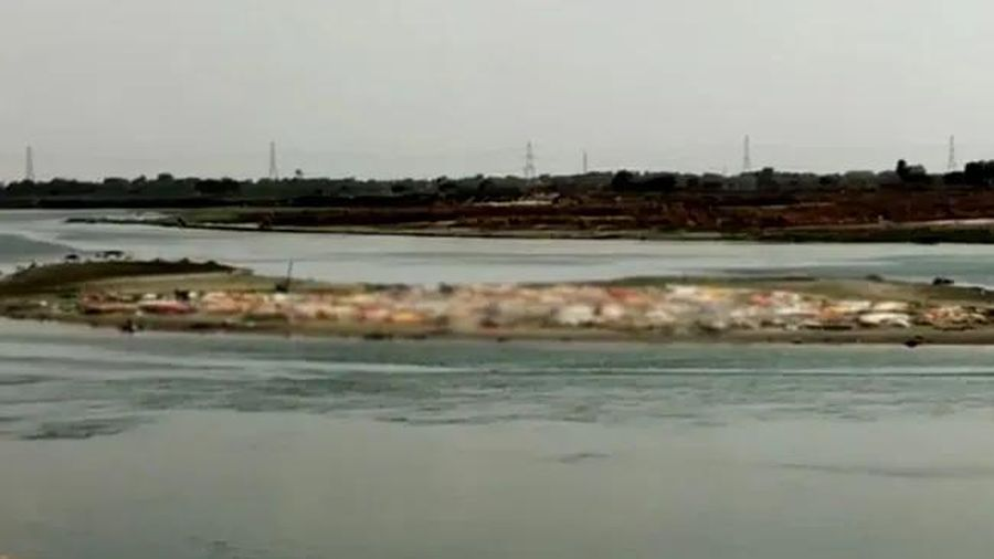 Thi thể người bệnh thả trôi trên sông Hằng: Ấn Độ giăng lưới ngăn, yêu cầu điều tra