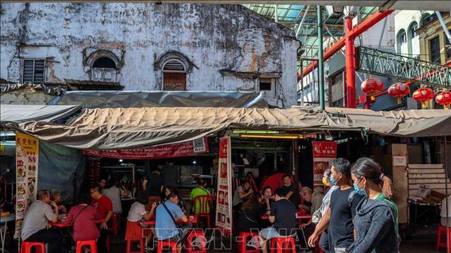 Nhiều 'kỷ lục' buồn trong ngày đầu tái phong tỏa tại Malaysia