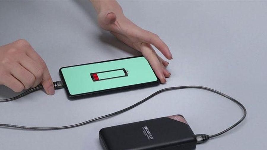 Các thủ thuật để sạc pin điện thoại nhanh và an toàn hơn