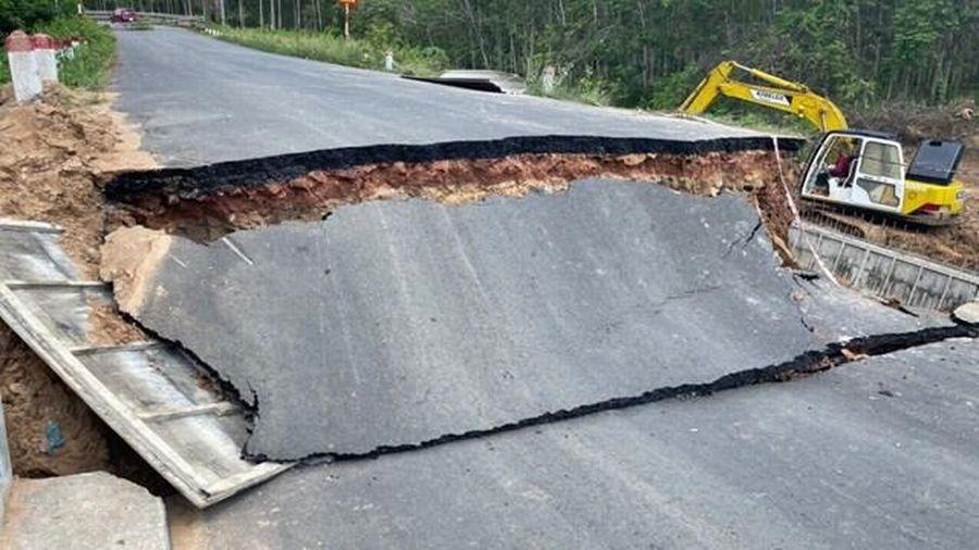 Bình Dương: Sập Cầu Lô 23, giao thông đường ĐH 701bị tê liệt