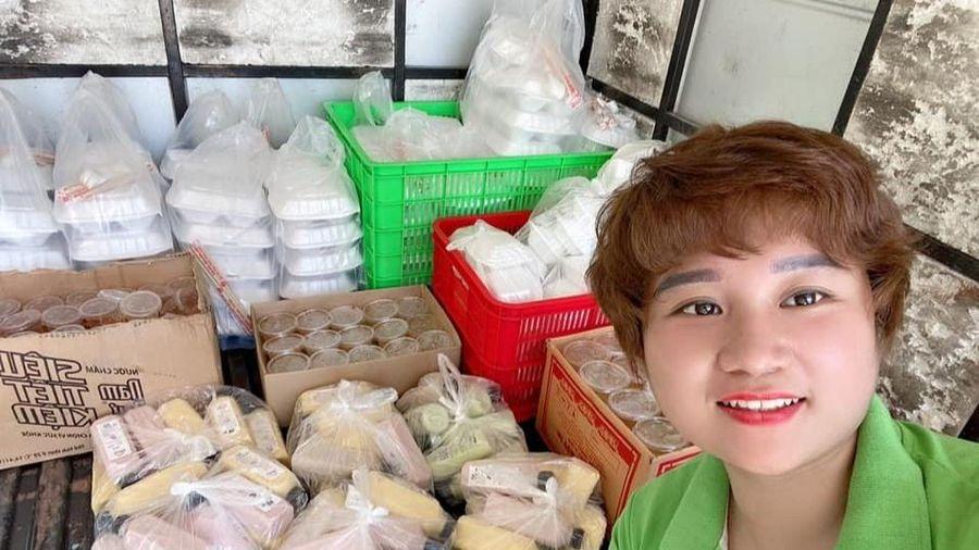 Nấu hàng nghìn suất cơm tặng người dân trong khu cách ly ở Bắc Ninh