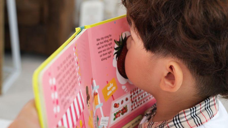 Bộ sách tỏa ra mùi hương đầu tiên tại Việt Nam