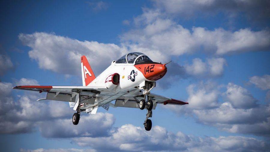 Hai máy bay huấn luyện của Mỹ va chạm trên không