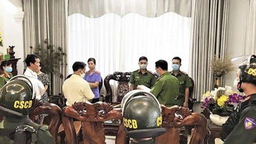 Vụ xăng giả 1 triệu lít/ngày: Bắt thêm chủ doanh nghiệp Việt Khánh Anh