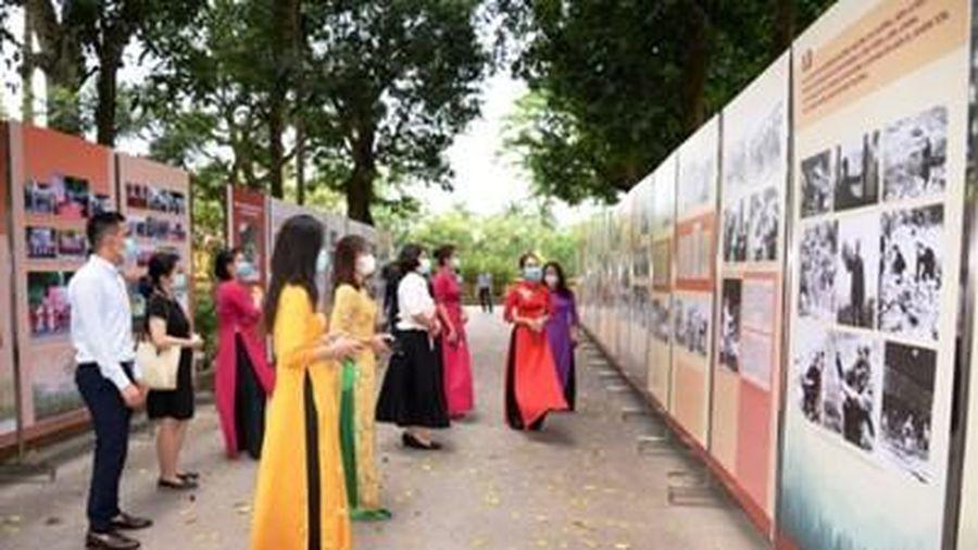 Trưng bày hình ảnh, tư liệu chủ đề 'Học tập và làm theo tư tưởng, đạo đức, phong cách Hồ Chí Minh'