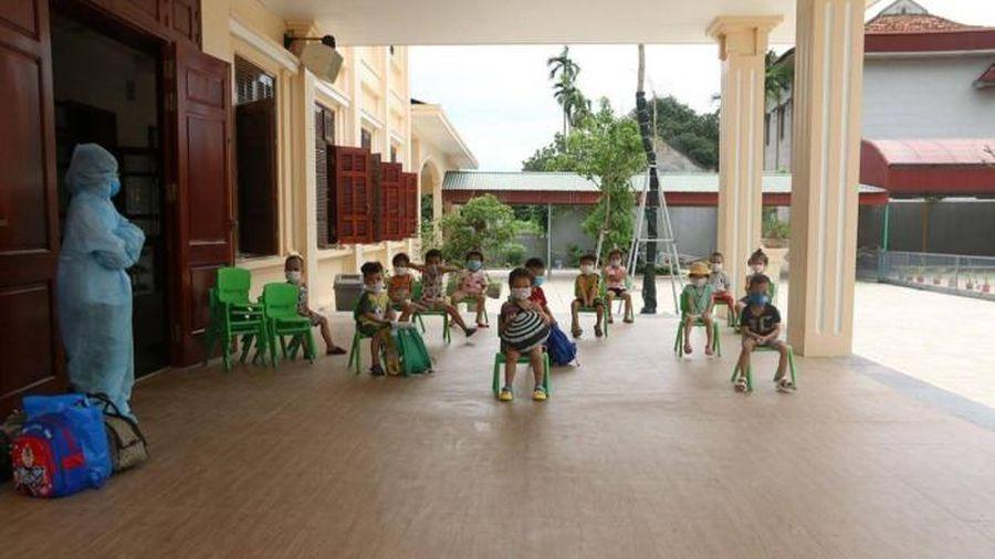 Hà Nam: Bé 3 tuổi mắc Covid-19, 24 trẻ mầm non phải cách ly tập trung