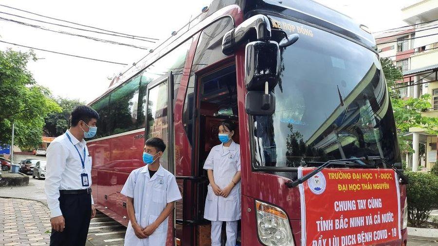ĐH Thái Nguyên: Sinh viên ngành Y xung phong vào điểm nóng chống dịch